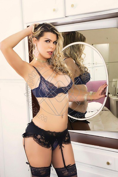 Melanie Hickman VERONA 3246988878